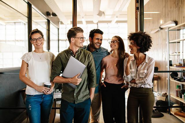 Alasan Milenial Harus Belajar Bisnis Online